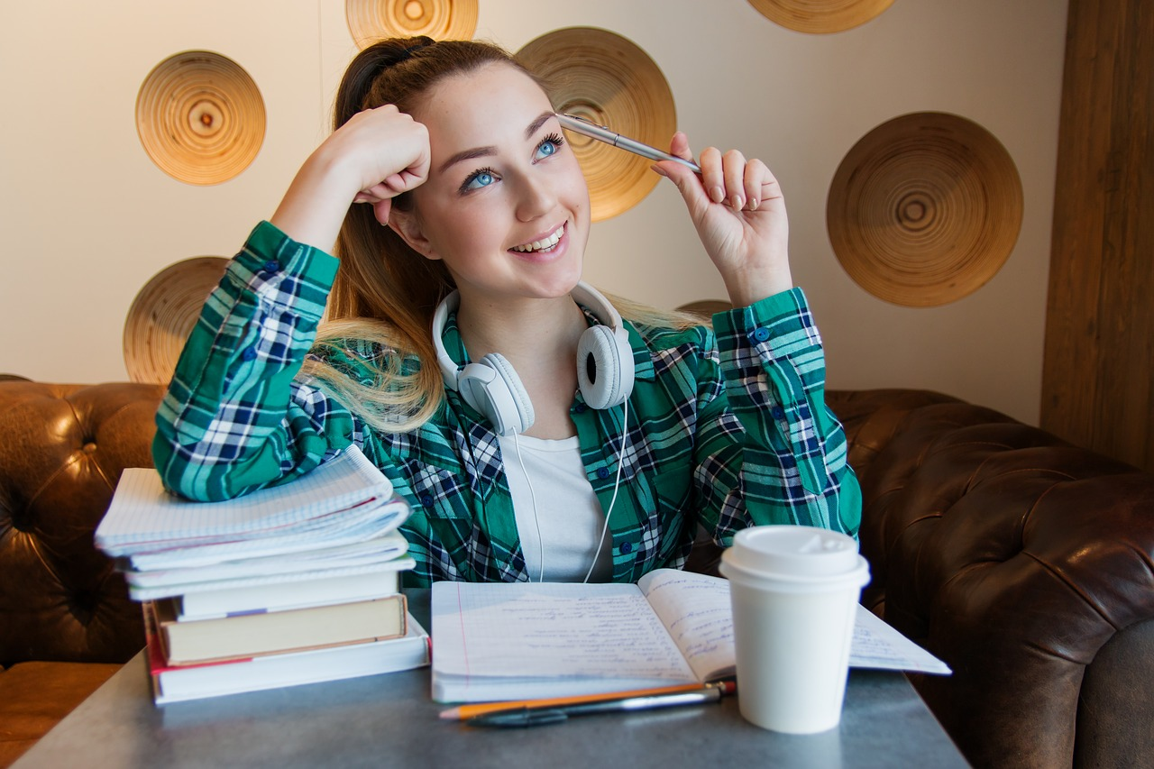 post secondary students Budgeting for school